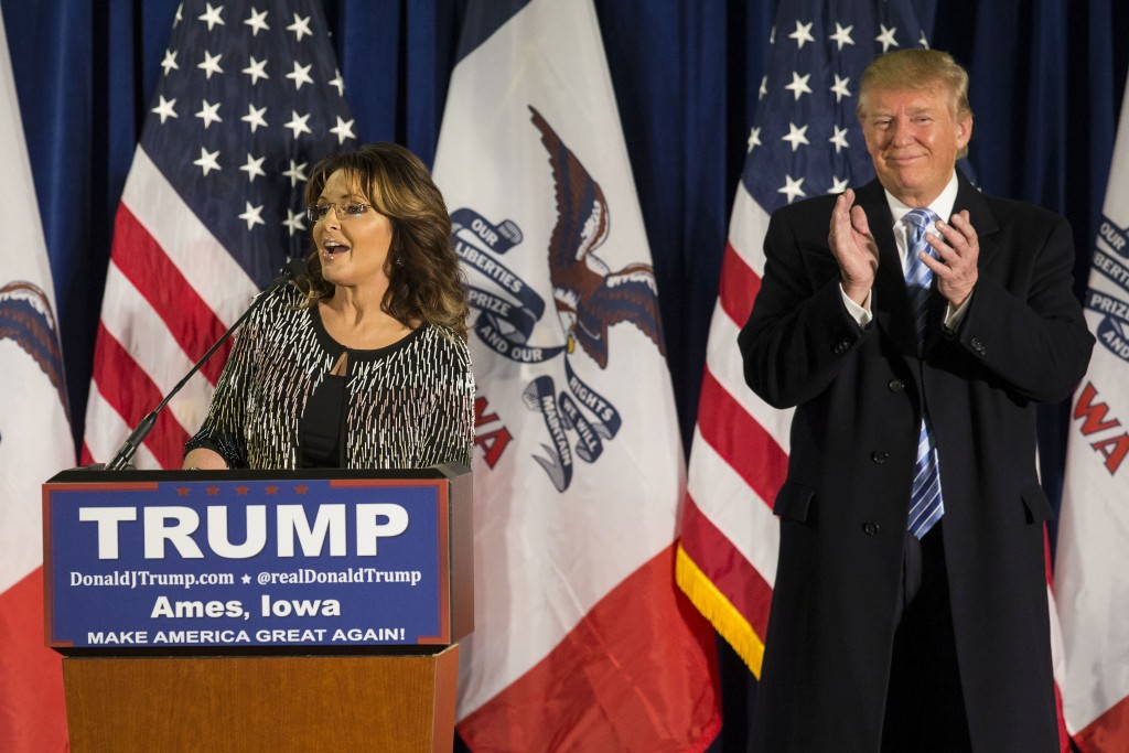 Former Alaska Gov. Sarah Palin could help take some of the heat off Donald Trump for his comments about women. (Photo By Al Drago/CQ Roll Call)