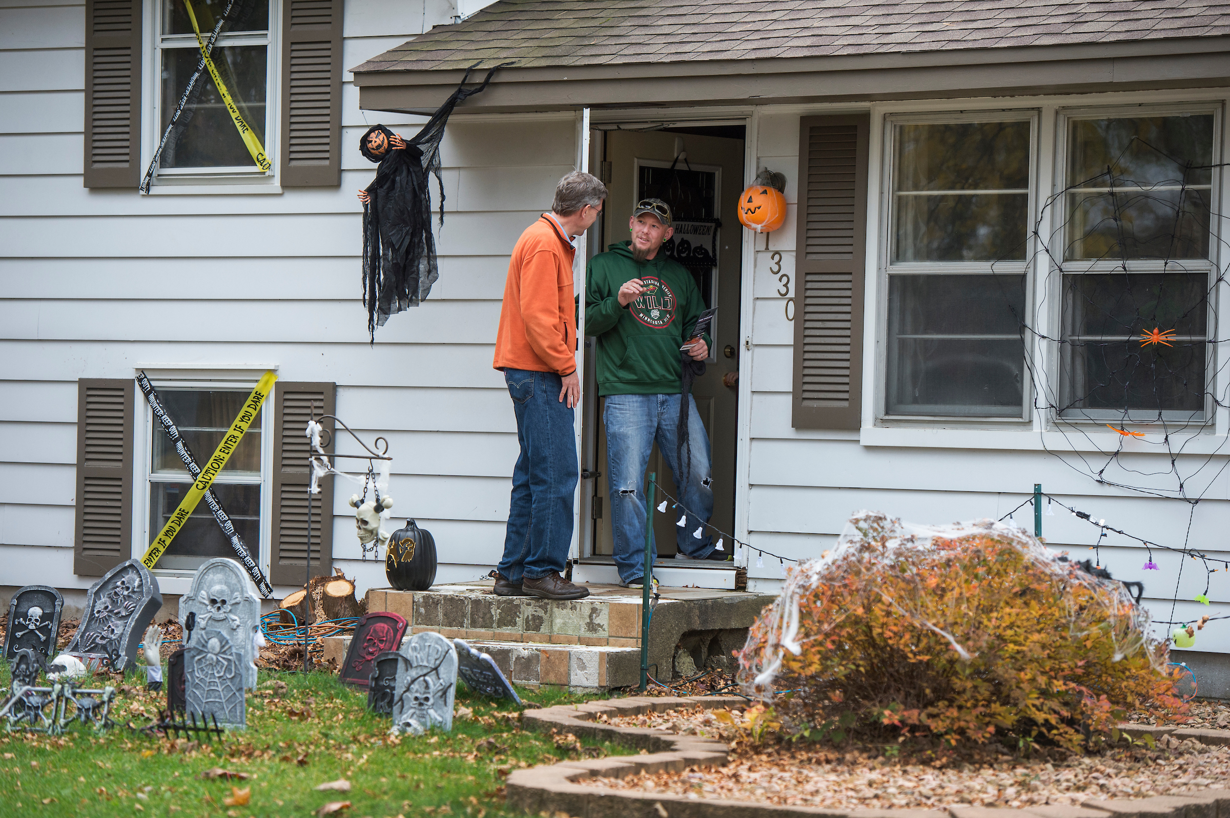 Rep. Erik Paulsen, R-Minn., greets voters while door-knocking in Coon Rapids, MN, October 29, 2016. Paulsen is running for reelection in Minnesota's 3rd Congressional District. (Photo By Tom Williams/CQ Roll Call)