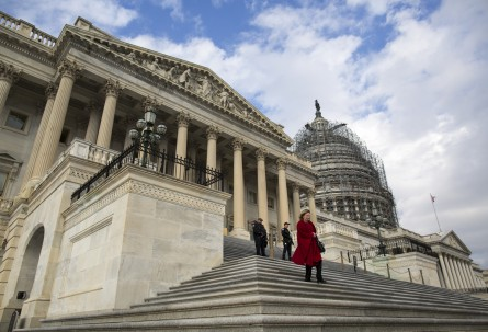 Leaving not a moment too soon? Congress ends the year with low approval ratings. (Al Drago/CQ Roll Call)