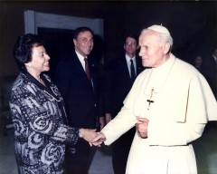 Nita Lowey, her husband Stephen and then-Rep. Michael McNulty visit with Pope John Paul II in 1989 in Rome, Italy. (CQ Roll Call File Photo)
