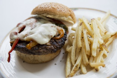 The Monocle's D Street Burger. (Tom Williams/CQ Roll Call File Photo)