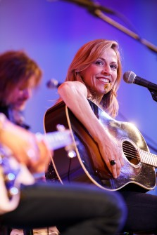 Sheryl Crow performs at the Global Down Syndrome Foundation Gala 2013.